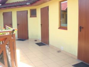 Pokoje 6.7.8 i 9 - drzwi wejściowe